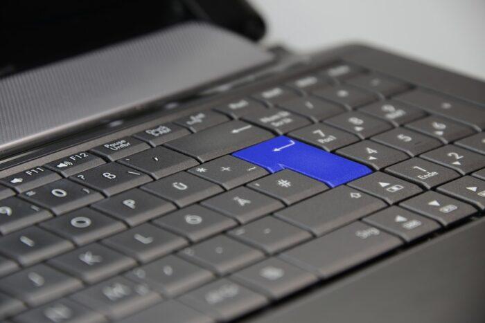 cara memperbaiki keyboard pc yang error